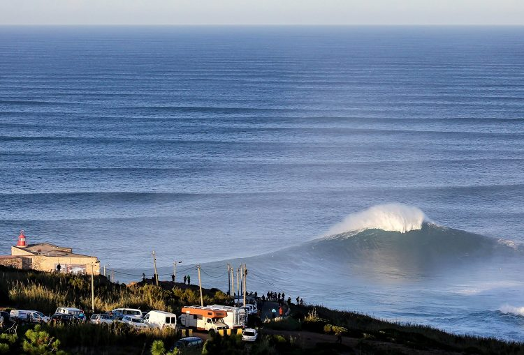 888WSL Green Alert: BWT Nazaré Challenge Called ON!!